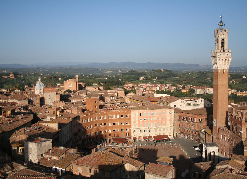 This is why countless tourists visit the small town of Siena in Italy